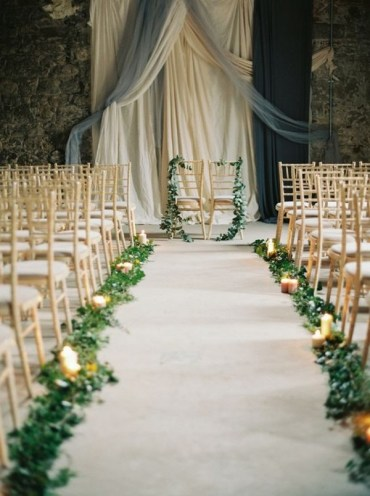 1 elegant-wedding-aisle-decoration-ideas-with-garlands