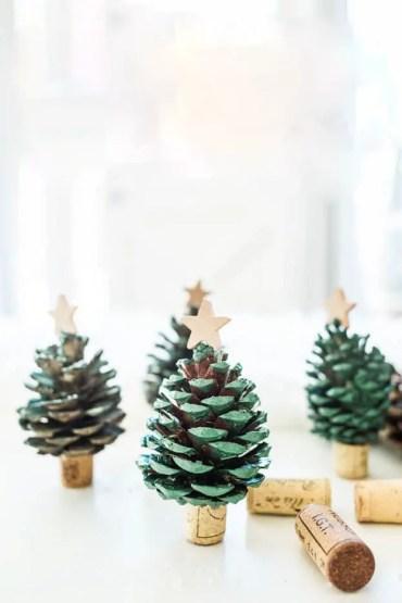 12-diy-pine-cone-crafts-ideas-homebnc-v2_edited