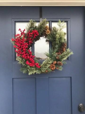 15-charming-handmade-winter-wreath-designs-your-front-door-lacks-11-630x841