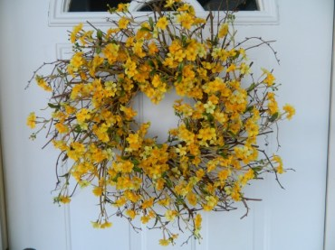 17-refreshing-handmade-spring-wreath-ideas-you-could-easily-diy-6-630x472
