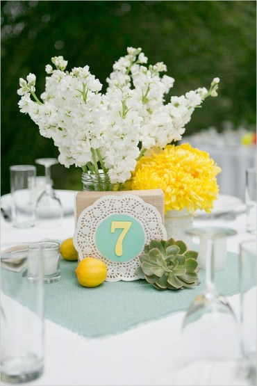 24-mint-and-yellow-decor-yellow-and-white-flowers