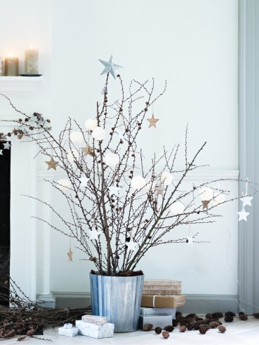 39.-well-decorated-bucket-tree