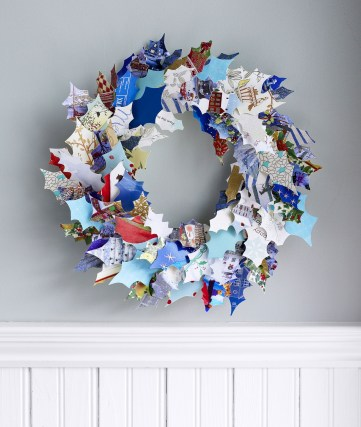 55004332623b7-ghk-recycle-cards-wreath-s2
