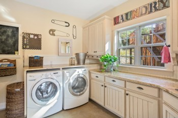 Baskets-cabinets-and-shelves-combine-for-perfect-laundry-room-storage