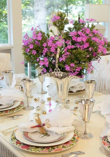 Birthday-party-table-setting-tablescape