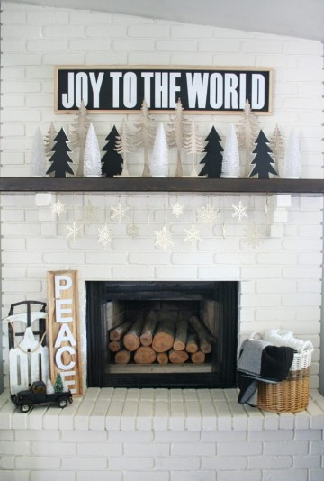 Black-white-christmas-mantel-690x1024