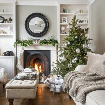 Christmas-living-room-decorating-ideas-3-920x920 (1)