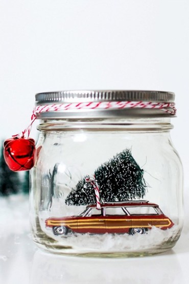 Creative-diy-snow-globe-mason-jars-ideas-13