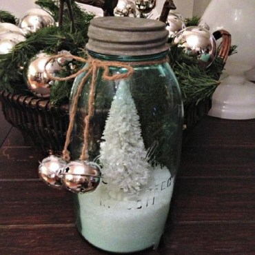Creative-diy-snow-globe-mason-jars-ideas-51_edited