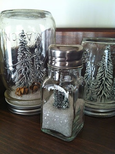 Creative-diy-snow-globe-mason-jars-ideas-60