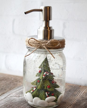 Creative-diy-snow-globe-mason-jars-ideas-70
