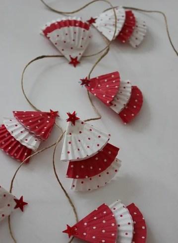Diy-christmas-cupcake-liner-garland