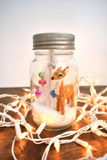 Diy-snow-globe-mason-jars-ideas