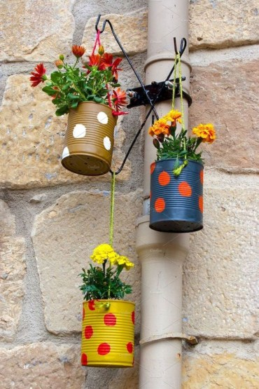 Diy-spring-decoration-ideas-for-your-yard-and-garden-11