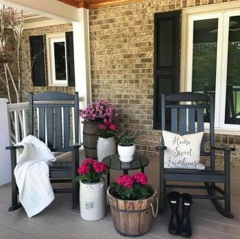 Farmhouse-style-porch-decorating-ideas-24-1-kindesign