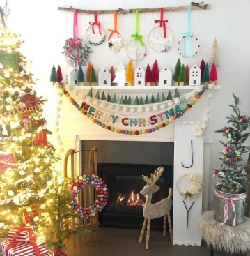 Fireplece-mantel-decoration-ideas-for-christmas-32