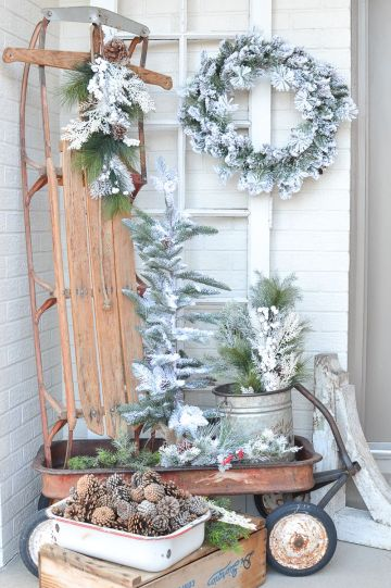 Flocked-evergreen-decor-for-winter-via-sarahjoy-1