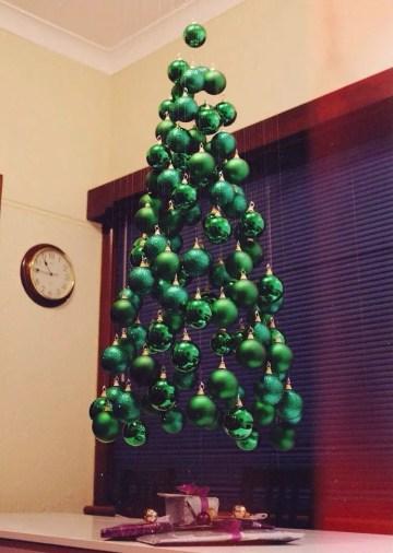 Hanging-christmas-tree-mobile