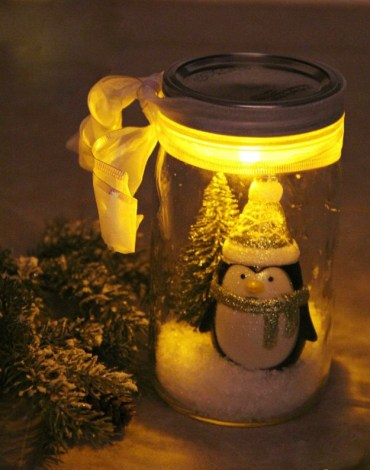 Illuminated-snow-scene-in-a-jar_edited