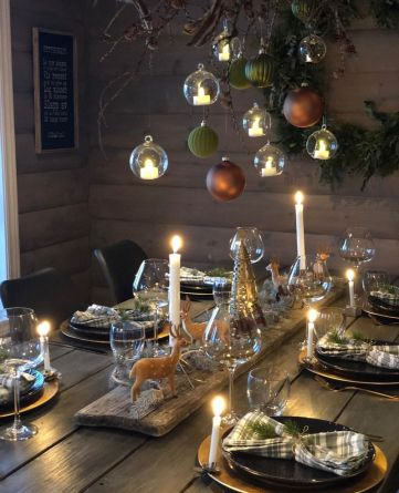 Modern-christmas-tablescape-ideas-for-2019_1