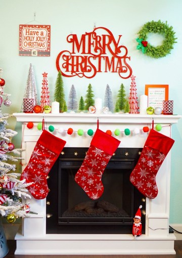 Red-and-lime-christmas-mantel-decorations-1448x2048