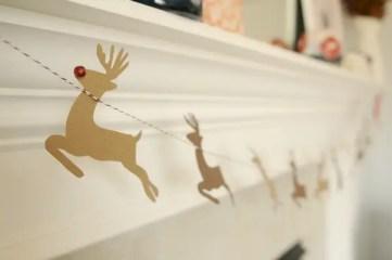 Reindeer-garland-diy