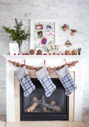 Rustic-christmas-mantel-683x1024