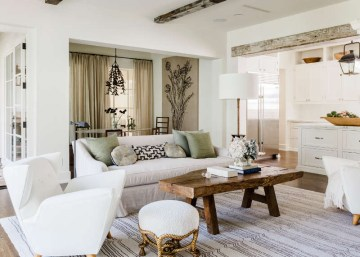 Timeless-living-room-design-with-solid-wooden-coffee-table