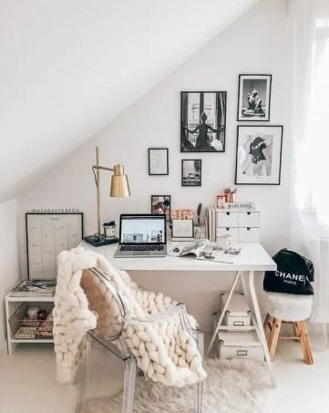 Cozy-dreamy-winter-office