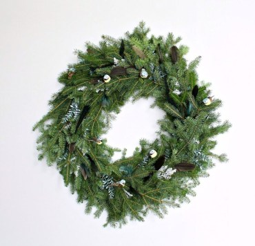 Diy-evergreen-christmas-decorations-to-try-8-775x745