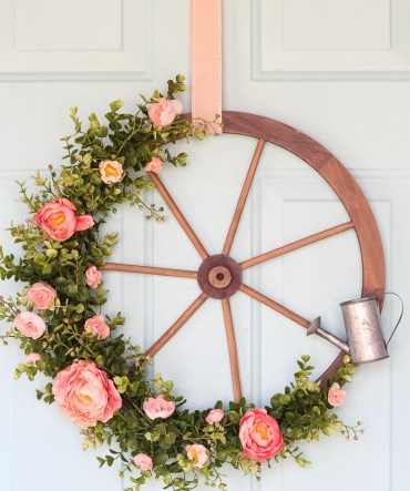 Farmhouse-wagon-wheel-wreath-5548-3