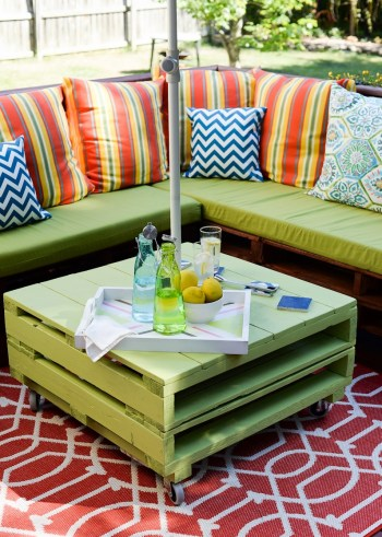 Pallet-outdoor-furniture-set
