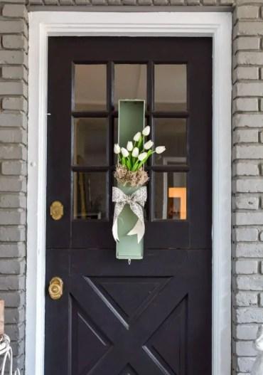 Spring-wreath-idea-safety-deposit-box-700