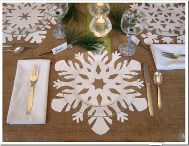 Winter-snowflake-table-setting-idea_edited