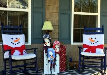 Winter-snowman-porch