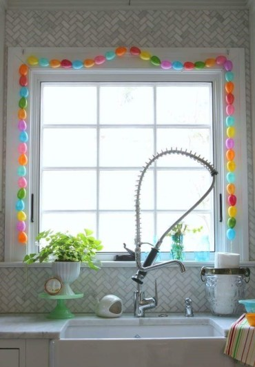 1 small-colorful-balloons-as-easter-egg-decoration-for-kitchen-window