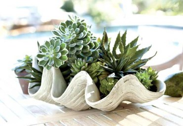 2 modern-planters-spring-decorating-plants-flowers-1