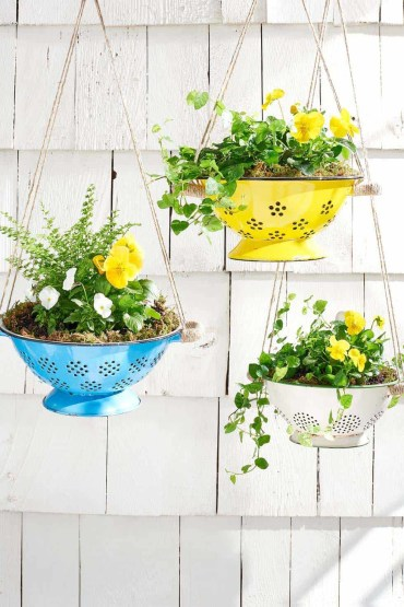 Beautiful-spring-porch-decorating-ideas-20-1-kindesign