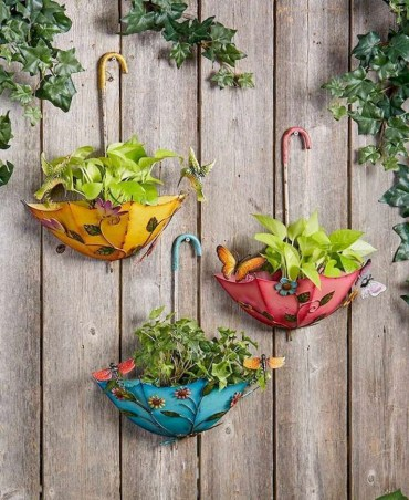 Diy-spring-decoration-ideas-for-your-yard-and-garden-29