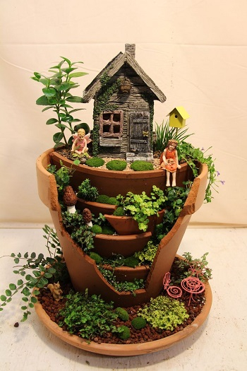 Garden from broken pots Ultra-Gorgeous Miniature Fairy Garden Design That Is Trendy For Backyards And Anywhere