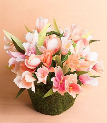 Paper flower centerpiece Delightful Spring Centerpiece Ideas To Welcome The Season This Year