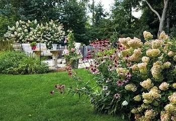 Pretty pink garden for an easy and elegant garden color theme 3