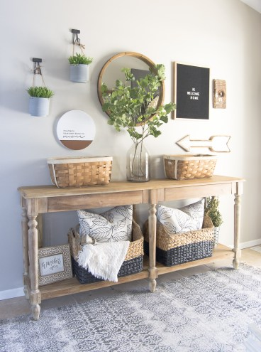 Spring-home-tour-entryway-decor-www.graceinmyspace.com_