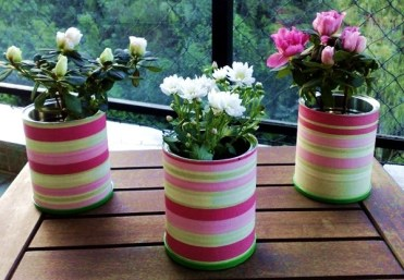 Decorated-tin-can-craft-ideas-home-table-centerpieces-flower-vases