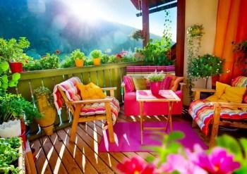 Gorgeous tropical balcony garden