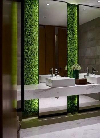 Living greenery wall in a bathroom