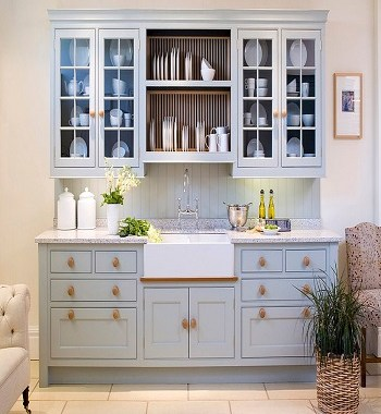 Trendy-Decorative Ways To Add A Plate Rack In Your Kitchen