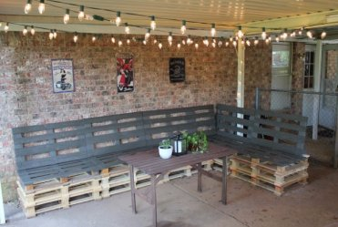 Diy-outdoor-patio-furniture-from-pallets