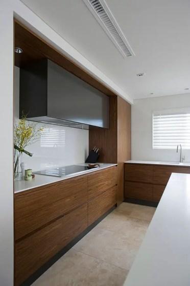 Elegant-wooden-kitchen-22.