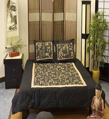 Gold kanji bedroom Earth Tone Japanese Bedroom Ideas To Sooth Your Positive Energy